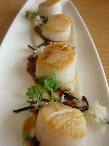 Roasted scallops, Jerusalem artichoke puree, pickled fungi, apple balsamic reduction