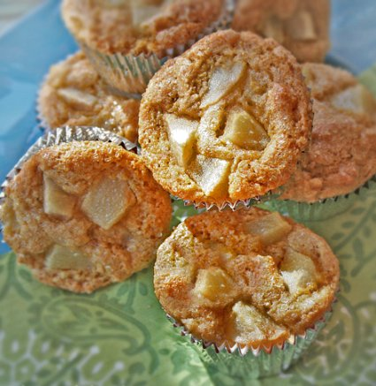 Sweet pear and polenta muffins